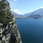 Sentiero Torti, a strapiombo sul lago di Garda