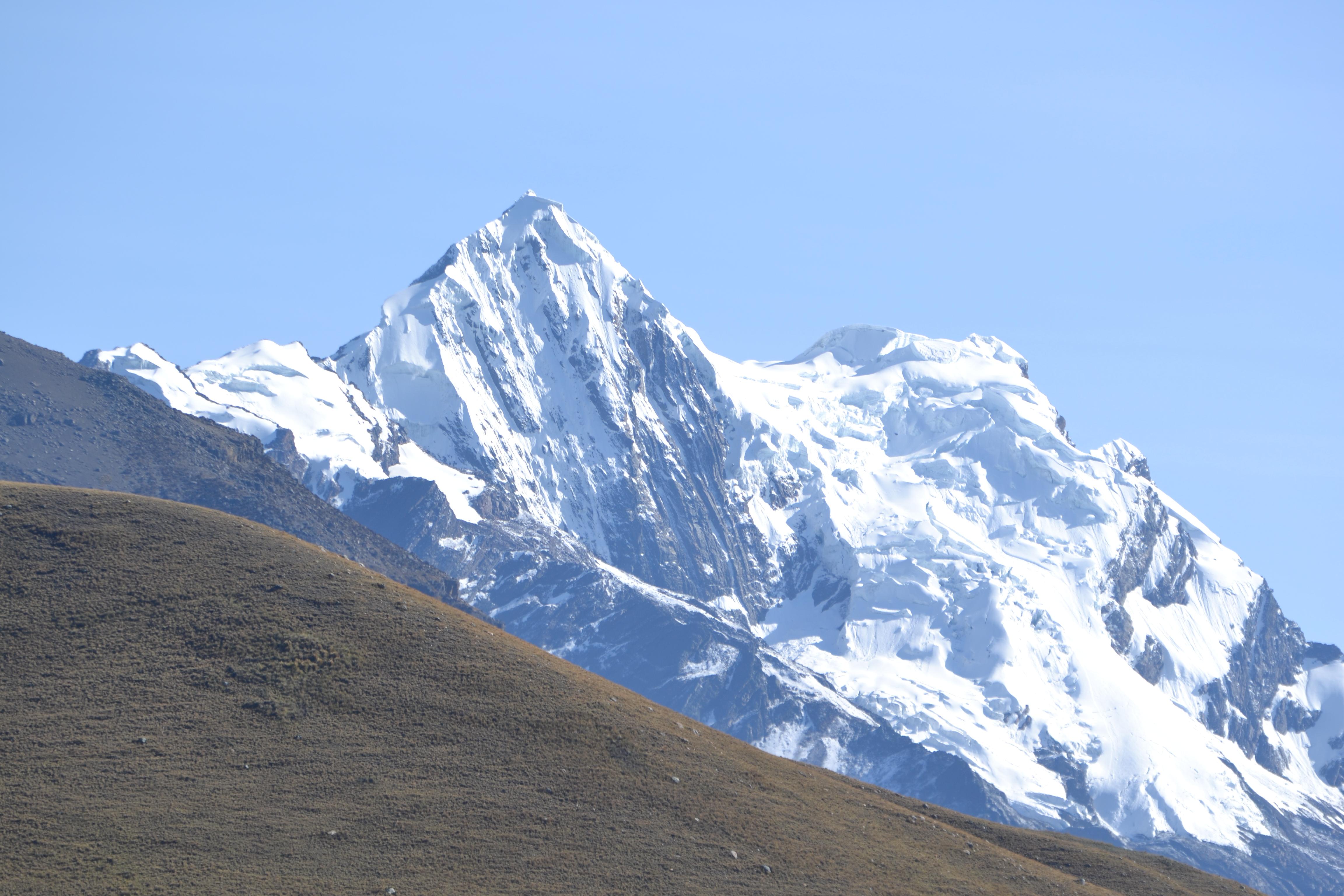 Parco Huascaran: picchi nella vallata Huacrapasca